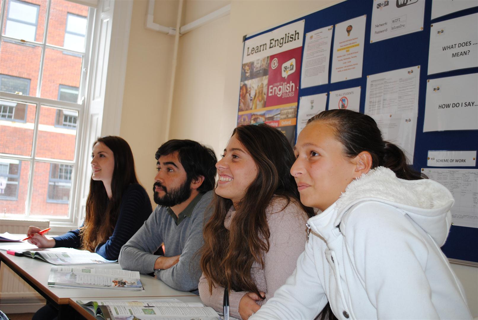 Aprende inglés en el curso en Leeds, Reino Unido