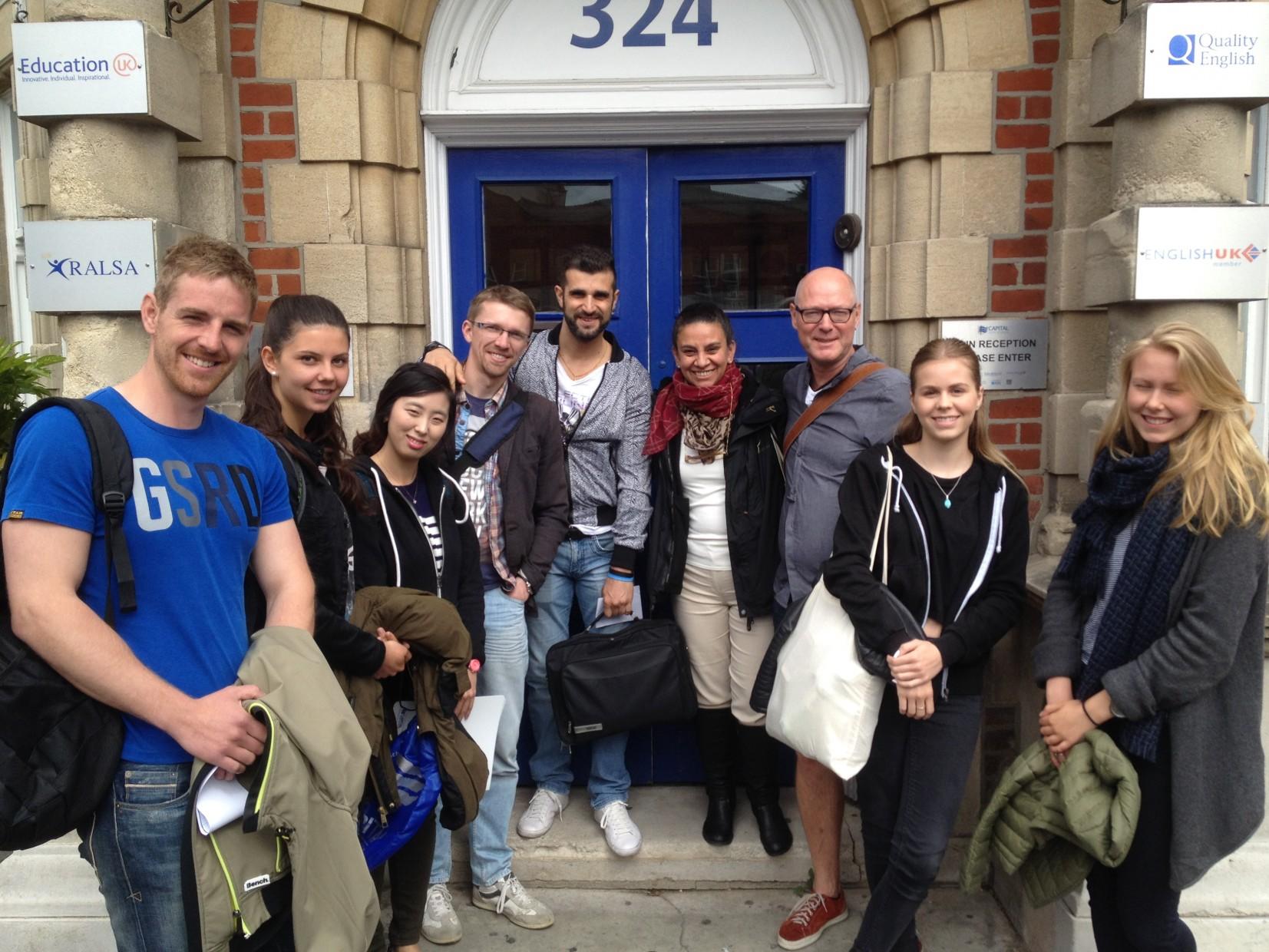 Escuela de Bournemouth estudia inglés con alumnos internacionales