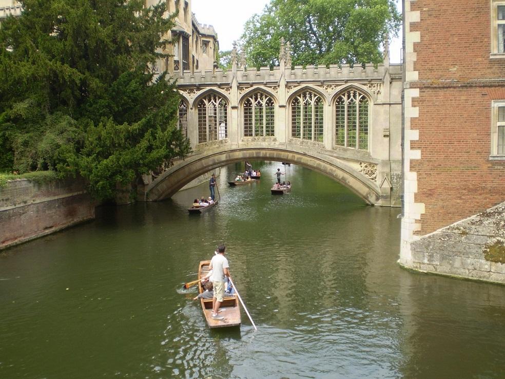 Paseo en una barca por el río Cam