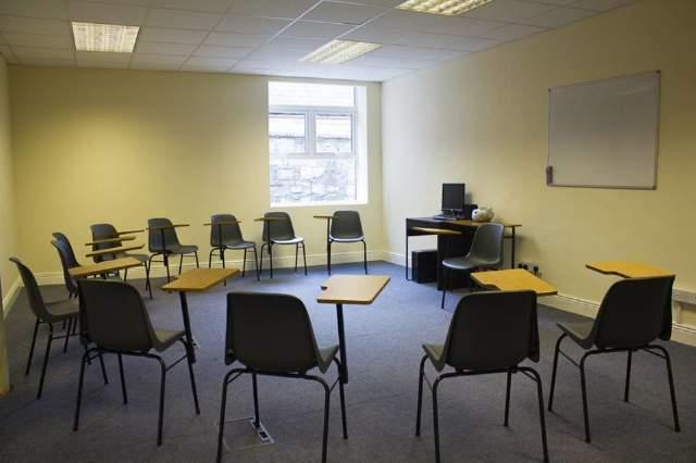 Curso de inglés en escuela económica en Dublín