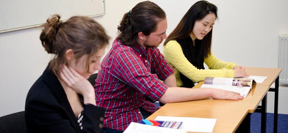 Aprende inglés en el curso en Dublín University, Irlanda