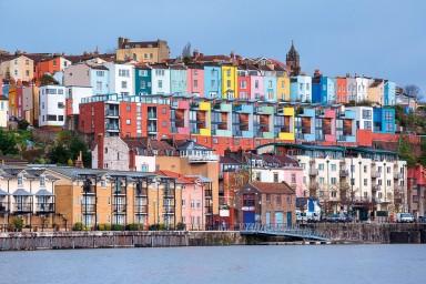 Estudia en una ciudad moderna como Bristol