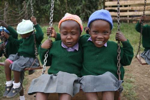 Niñas en el orfanato