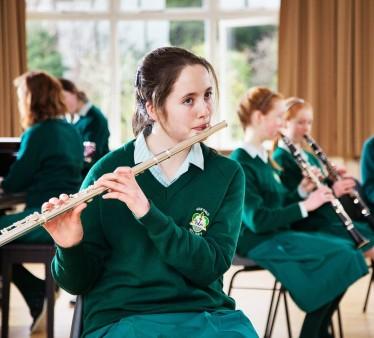 Actividades y deportes que se pueden hacer durante un año escolar en el Irlanda