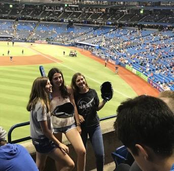 Baseball Match en un curso de verano en Canadá para jóvenes